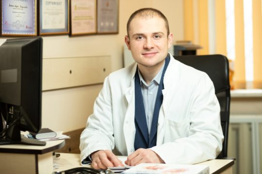 Шамрай Дмитрий Викторович. проктолог, хирург-онколог, общий хирург. Киев. Armata manus.